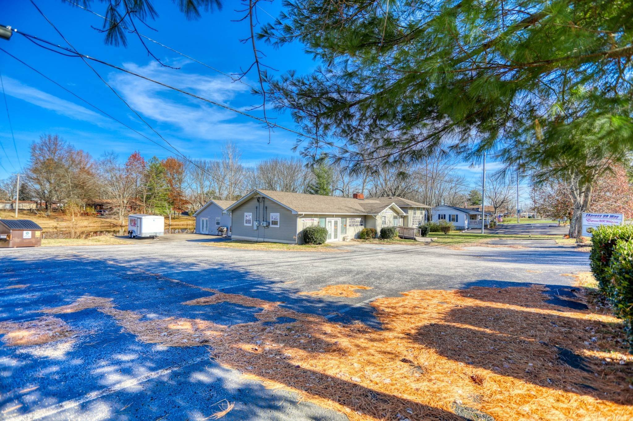 Commercial for Sale at 408 Highway 76, E White House, Tennessee 37188 United States