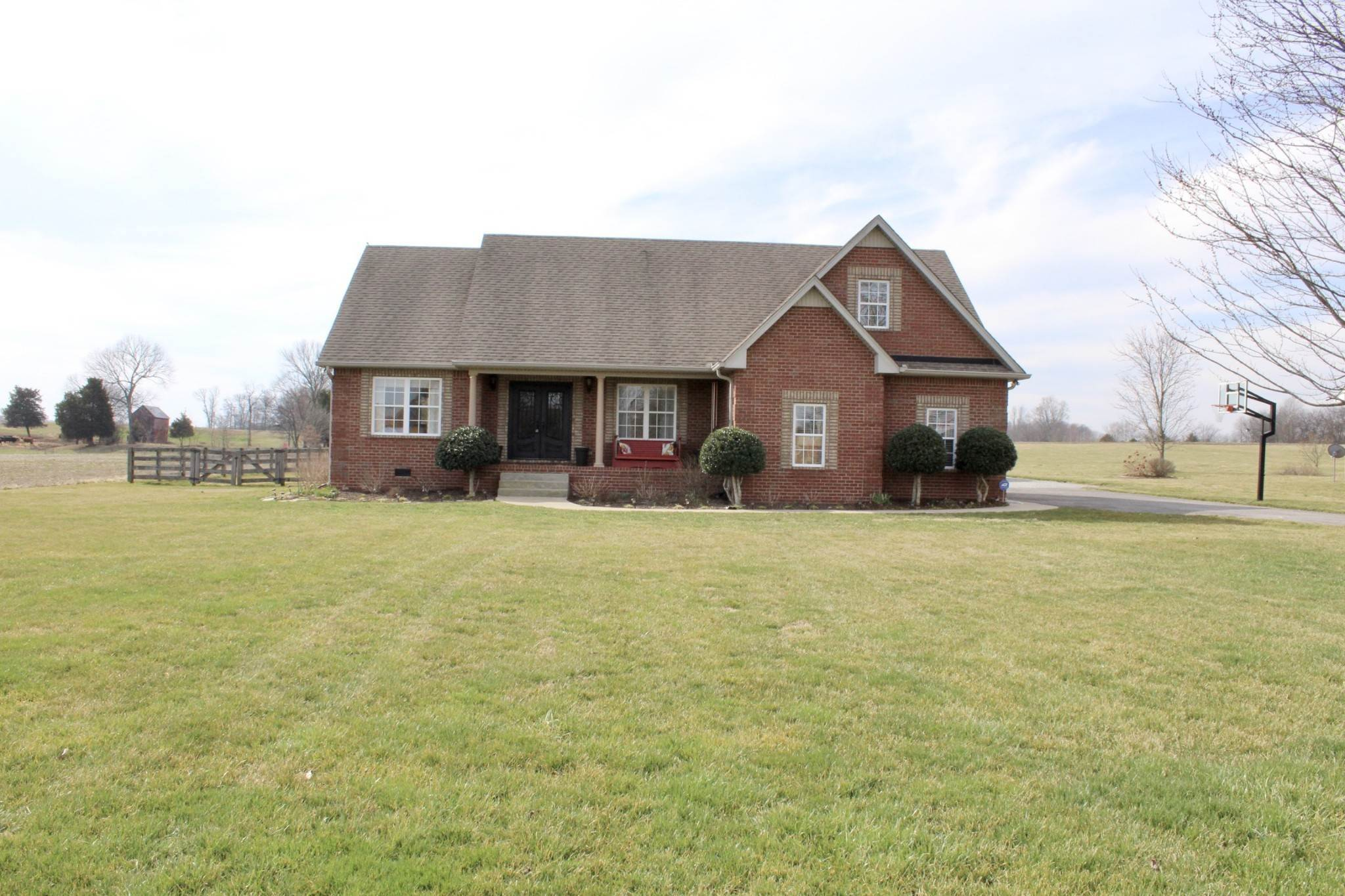 Single Family Homes for Sale at 442 Clearview Road Cottontown, Tennessee 37048 United States