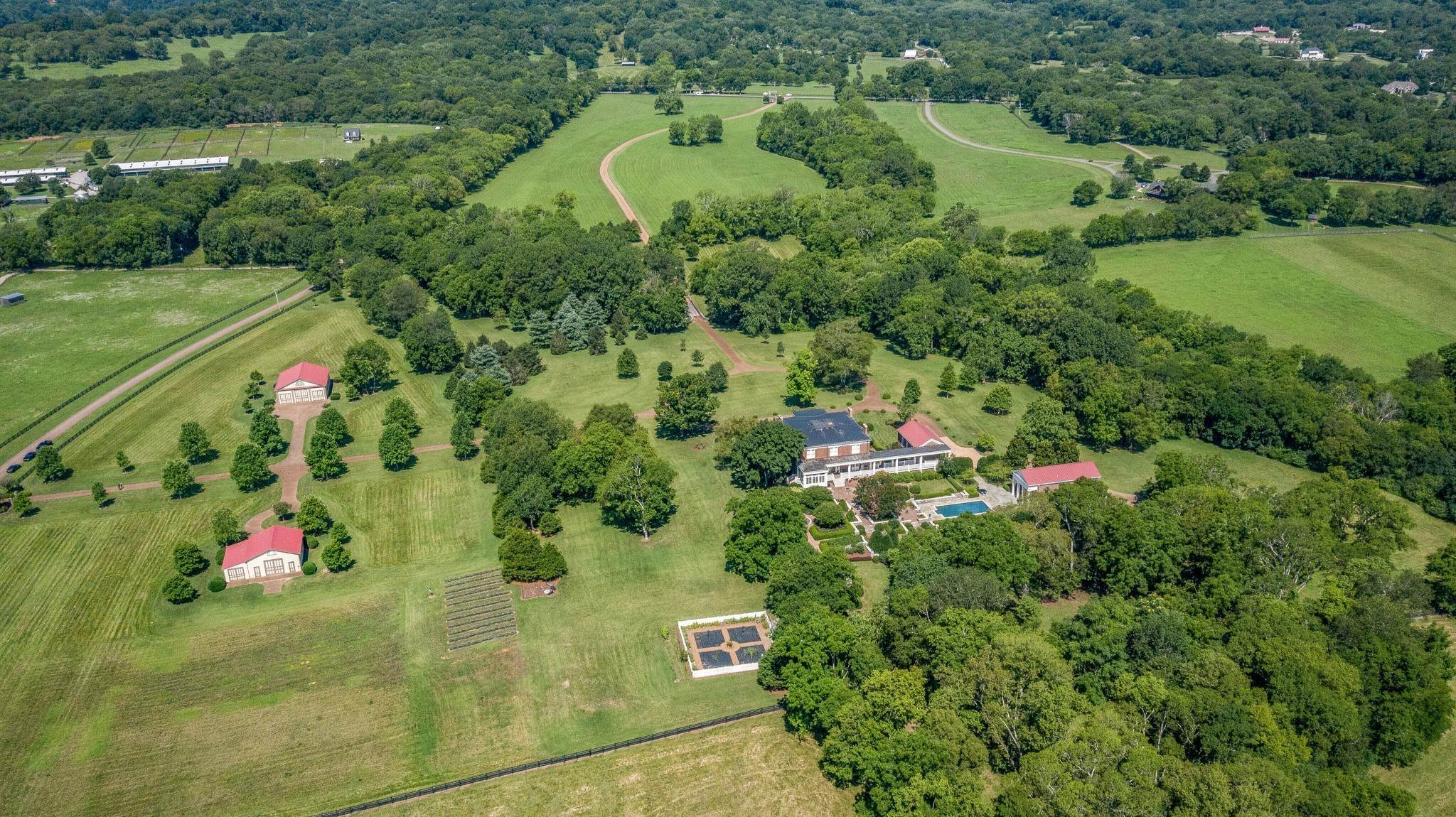 47. Single Family Homes for Sale at 1711 Old Hillsboro Road Franklin, Tennessee 37069 United States