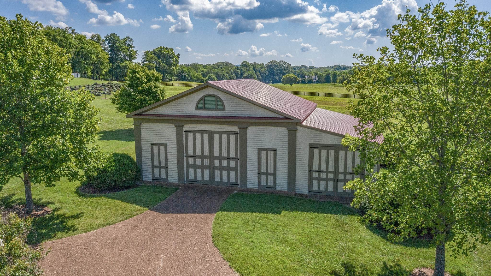 46. Single Family Homes for Sale at 1711 Old Hillsboro Road Franklin, Tennessee 37069 United States