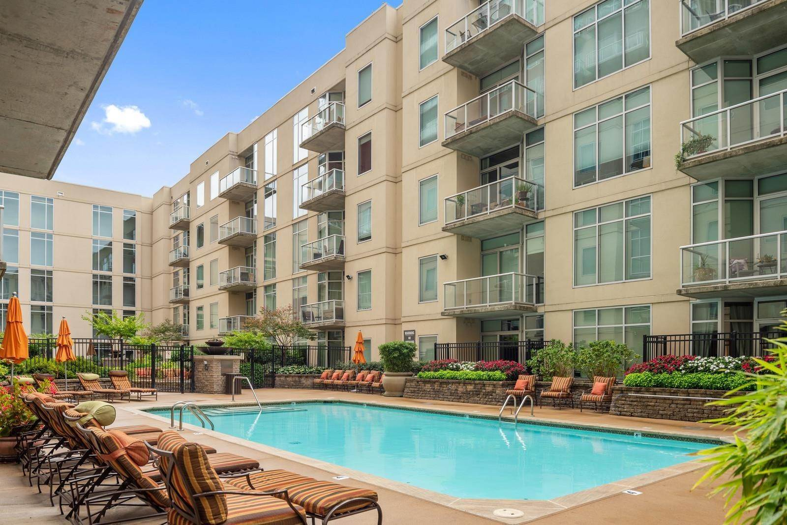 16. High Rise for Sale at 600 12th Ave S #521 Nashville, Tennessee 37203 United States
