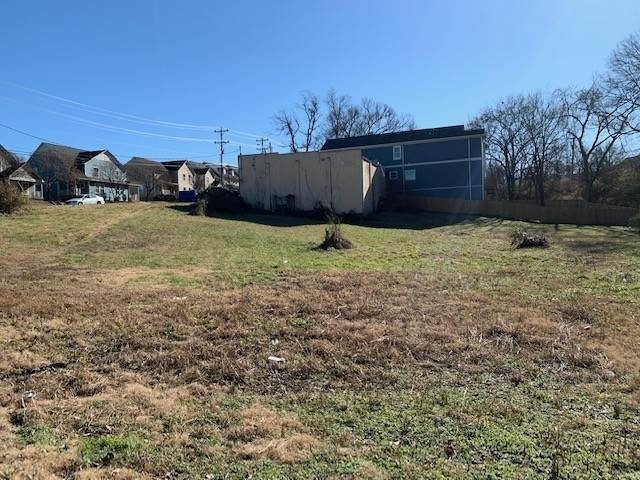 4. Commercial for Sale at 927 40th Ave, N Nashville, Tennessee 37209 United States