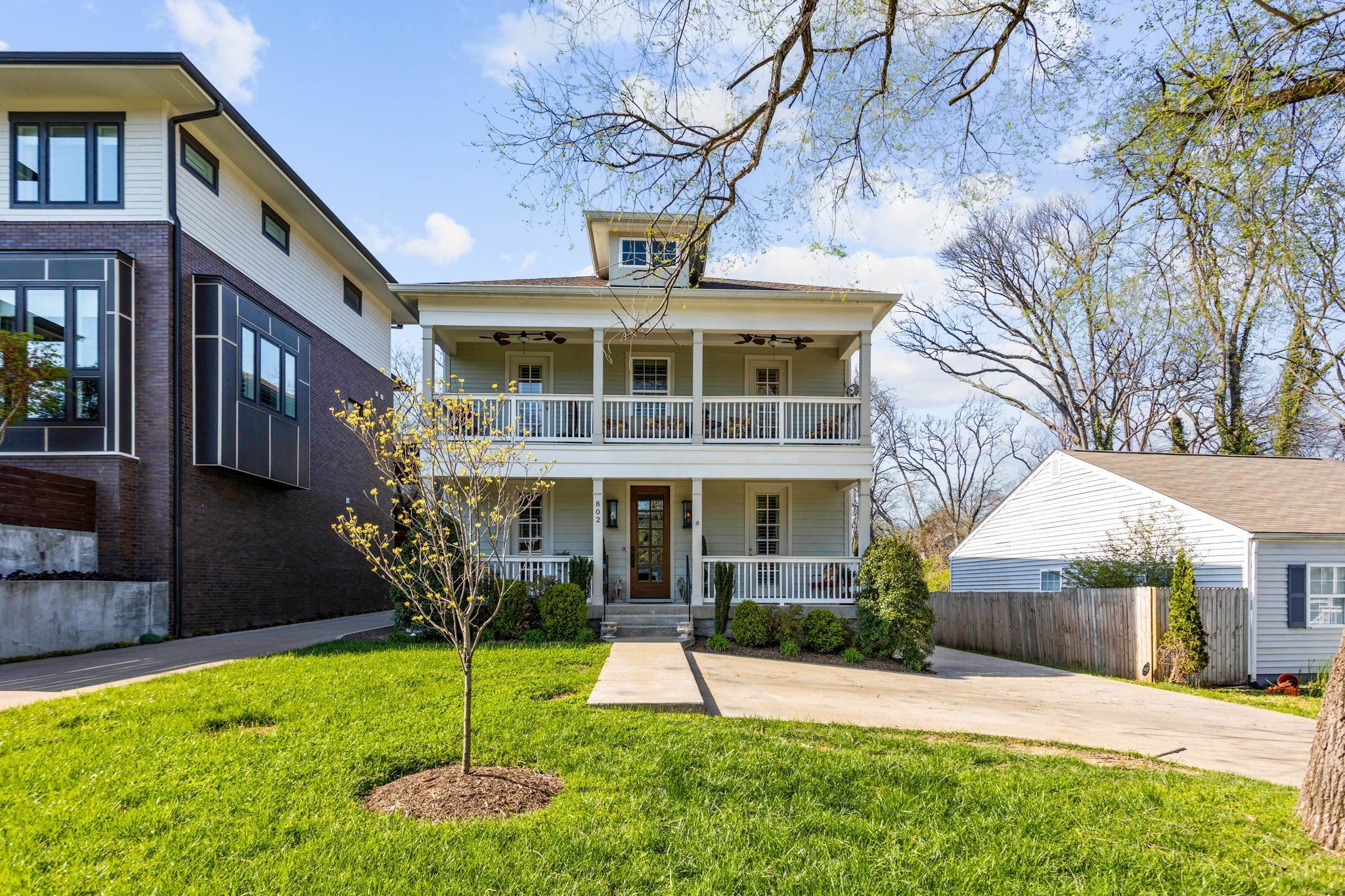 4. Single Family Homes for Sale at 802 Montrose Avenue Nashville, Tennessee 37204 United States