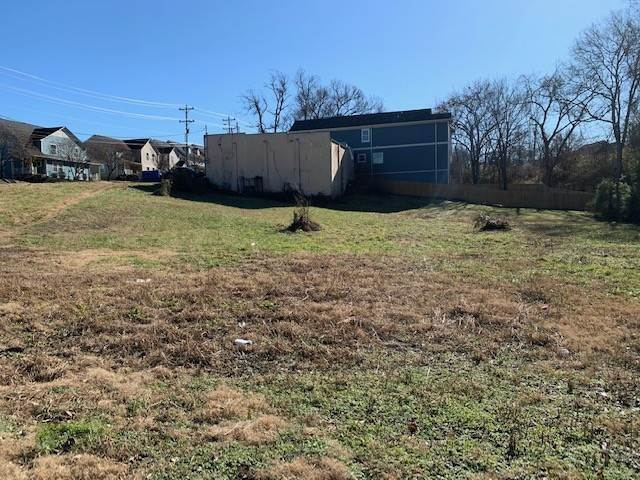 3. Commercial for Sale at 927 40th Ave, N Nashville, Tennessee 37209 United States