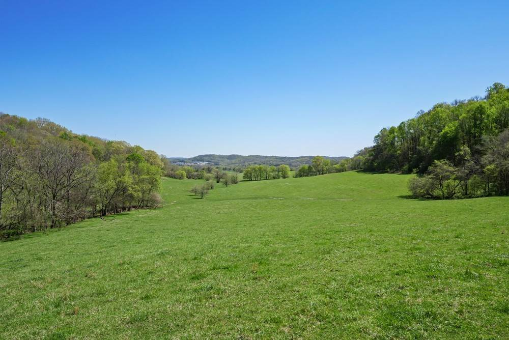 20. Farm for Sale at 1996 Old Hillsboro Road Franklin, Tennessee 37064 United States