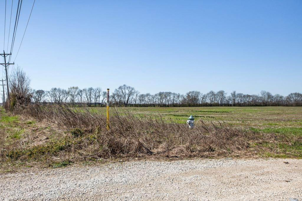 Commercial for Sale at 825 Beechcroft Road Spring Hill, Tennessee 37174 United States