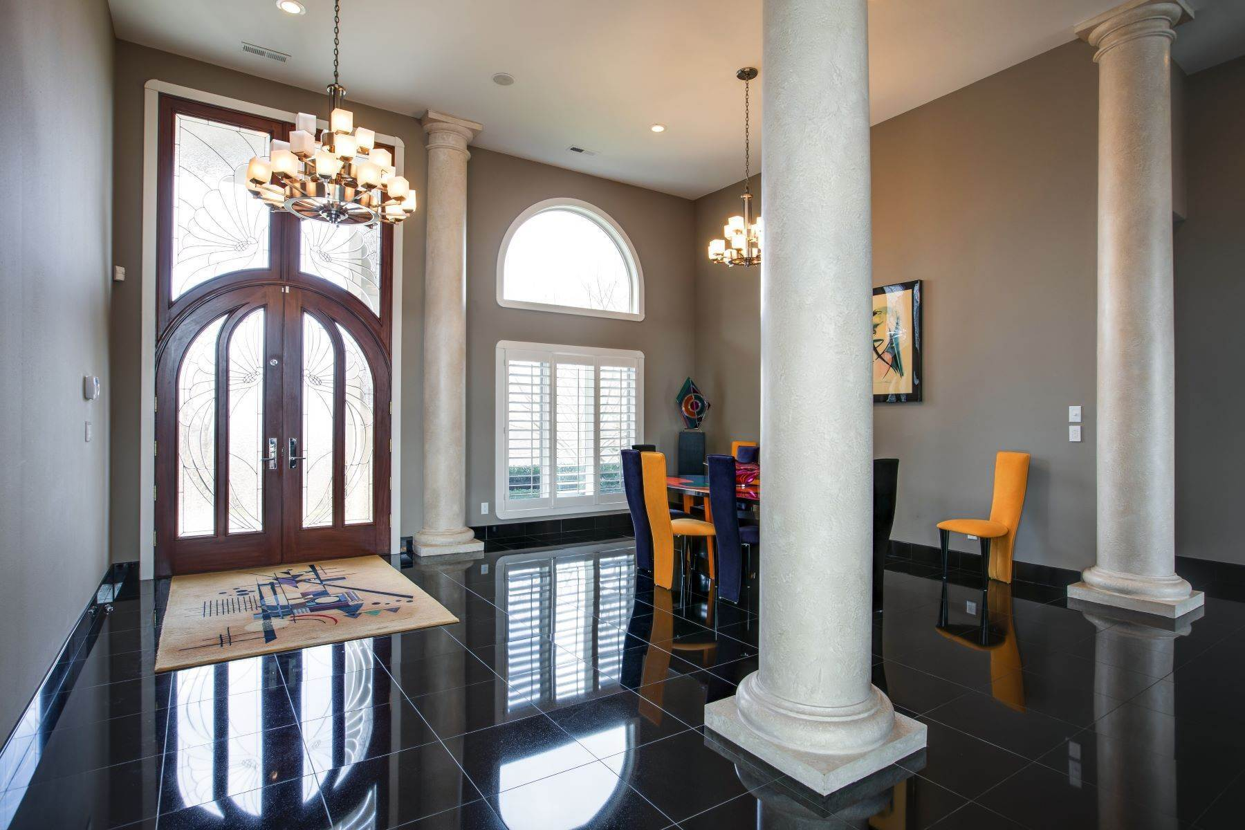 4. Single Family Homes for Sale at Luxury Brentwood Home 720 Valhalla Lane Brentwood, Tennessee 37027 United States