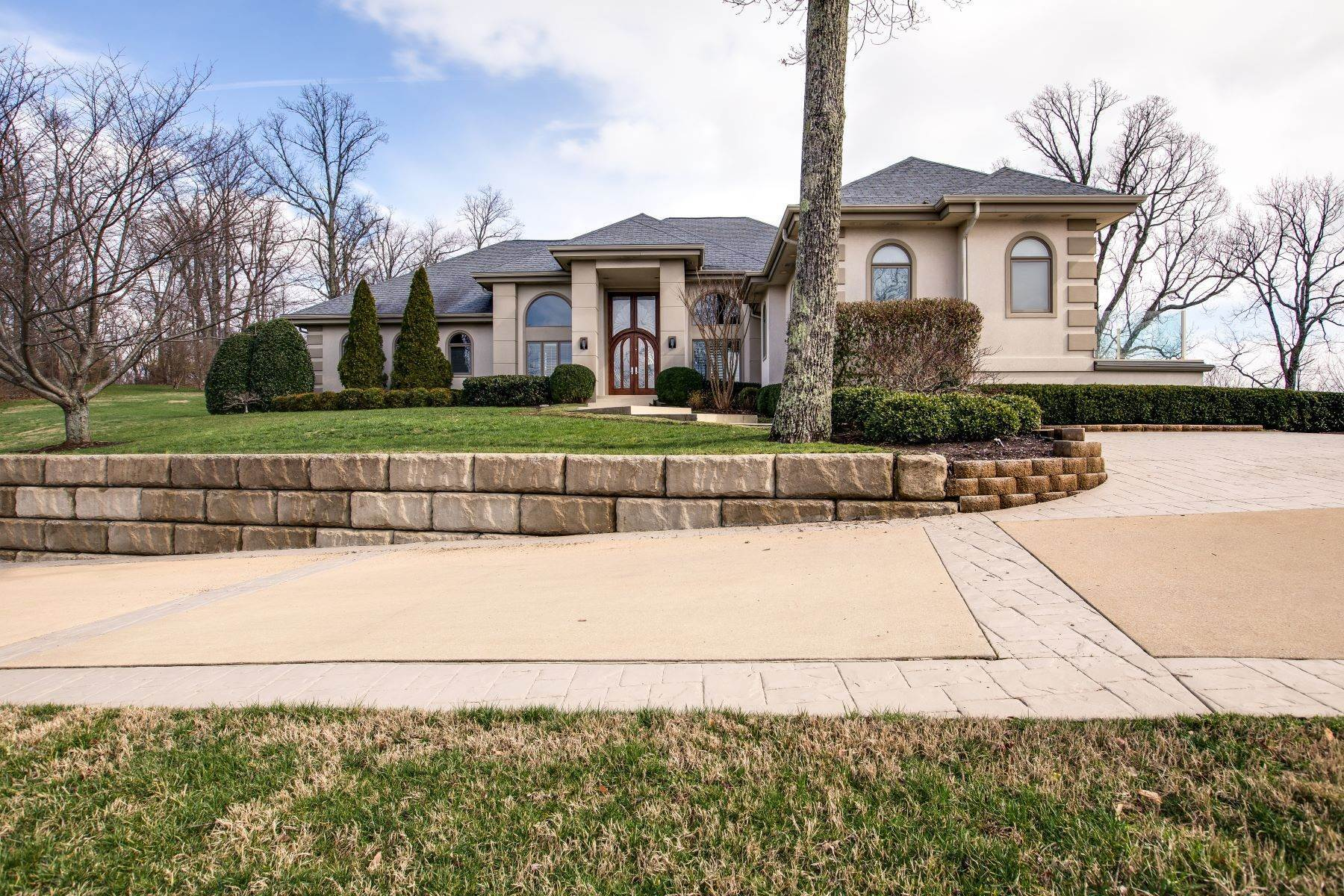 48. Single Family Homes for Sale at Luxury Brentwood Home 720 Valhalla Lane Brentwood, Tennessee 37027 United States