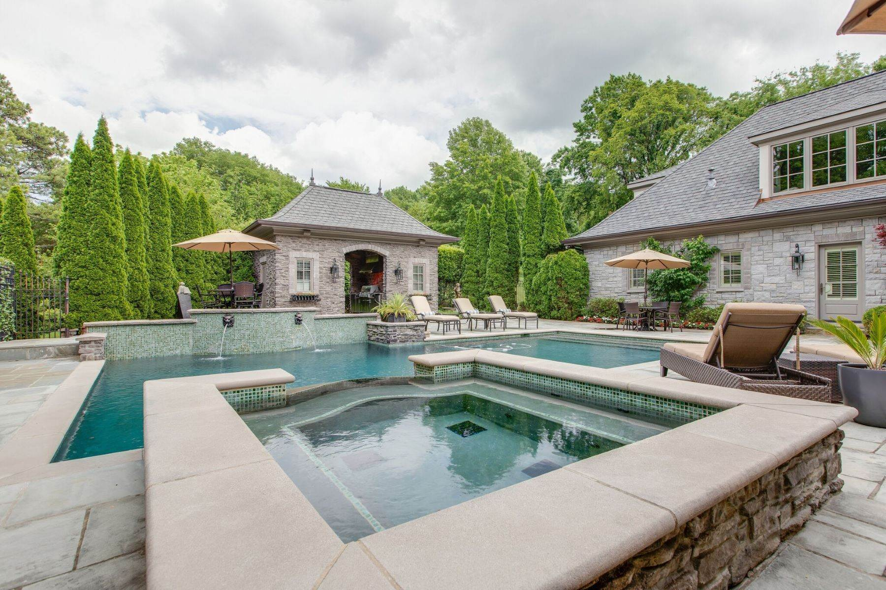 43. Single Family Homes for Sale at 4914 Lealand Ln, Nashville, Tn, 37220 4914 Lealand Ln Nashville, Tennessee 37220 United States