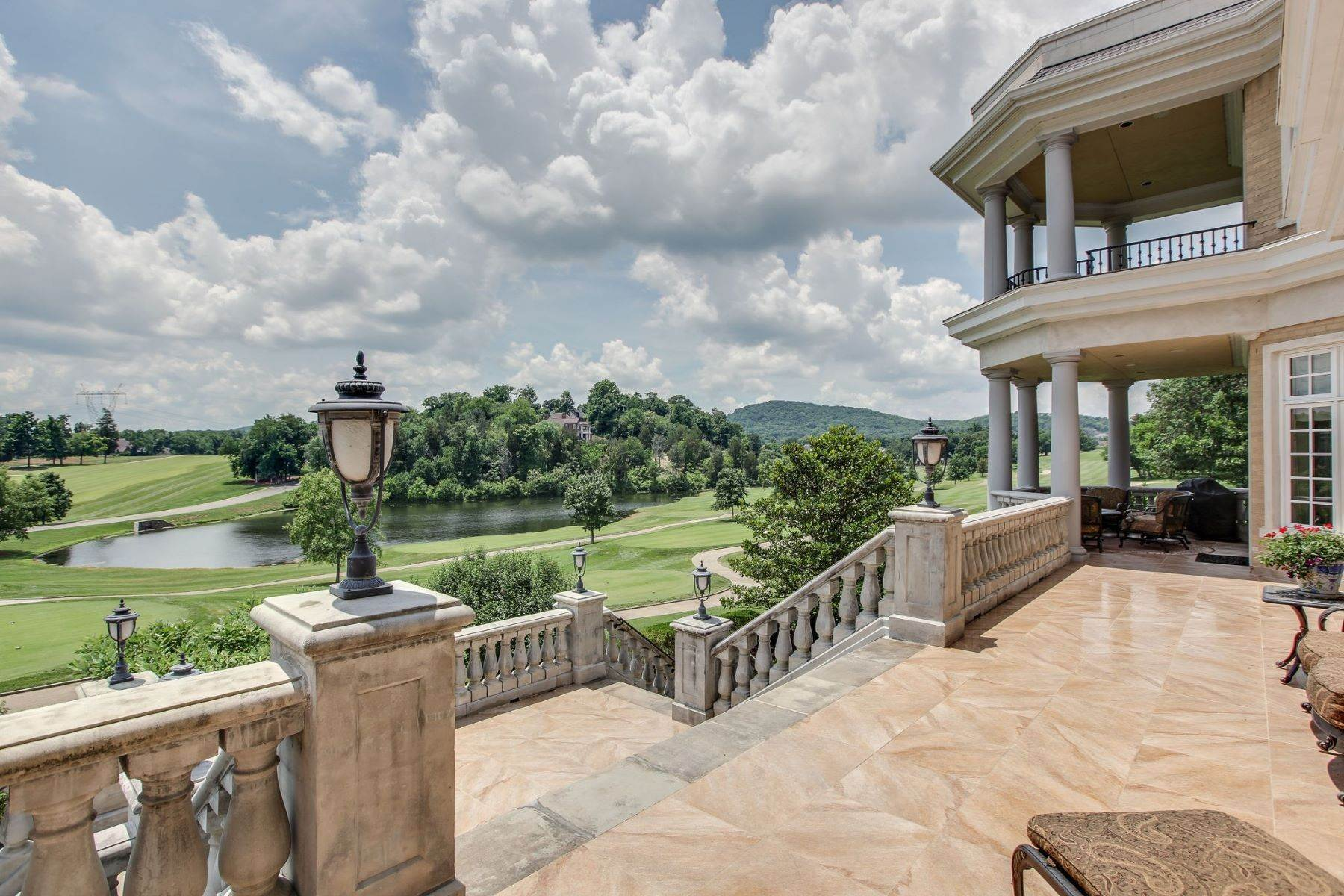 43. Single Family Homes for Sale at 2 Carmel Ln, Brentwood, Tn, 37027 2 Carmel Ln Brentwood, Tennessee 37027 United States