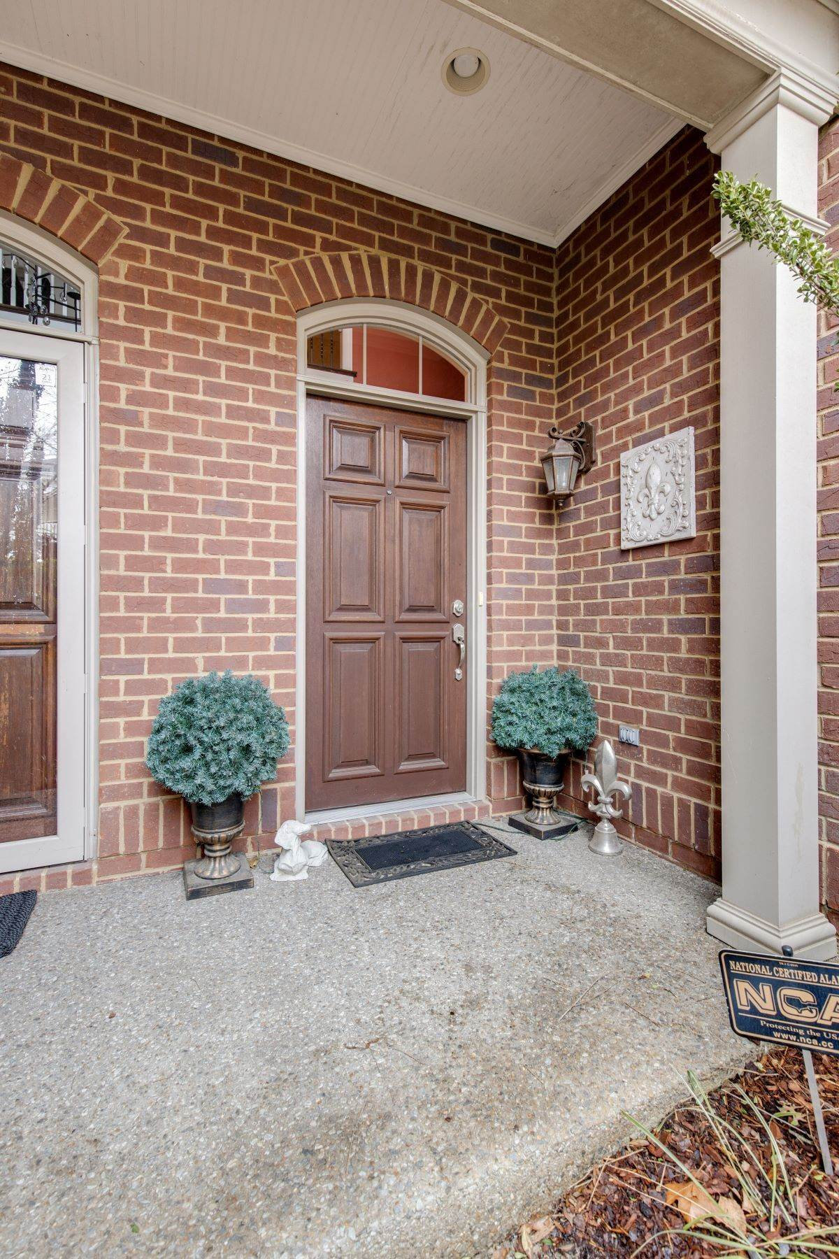 5. Single Family Homes for Sale at 4209 Stammer Place, Nashville, TN 37215 4209 Stammer Place Nashville, Tennessee 37215 United States
