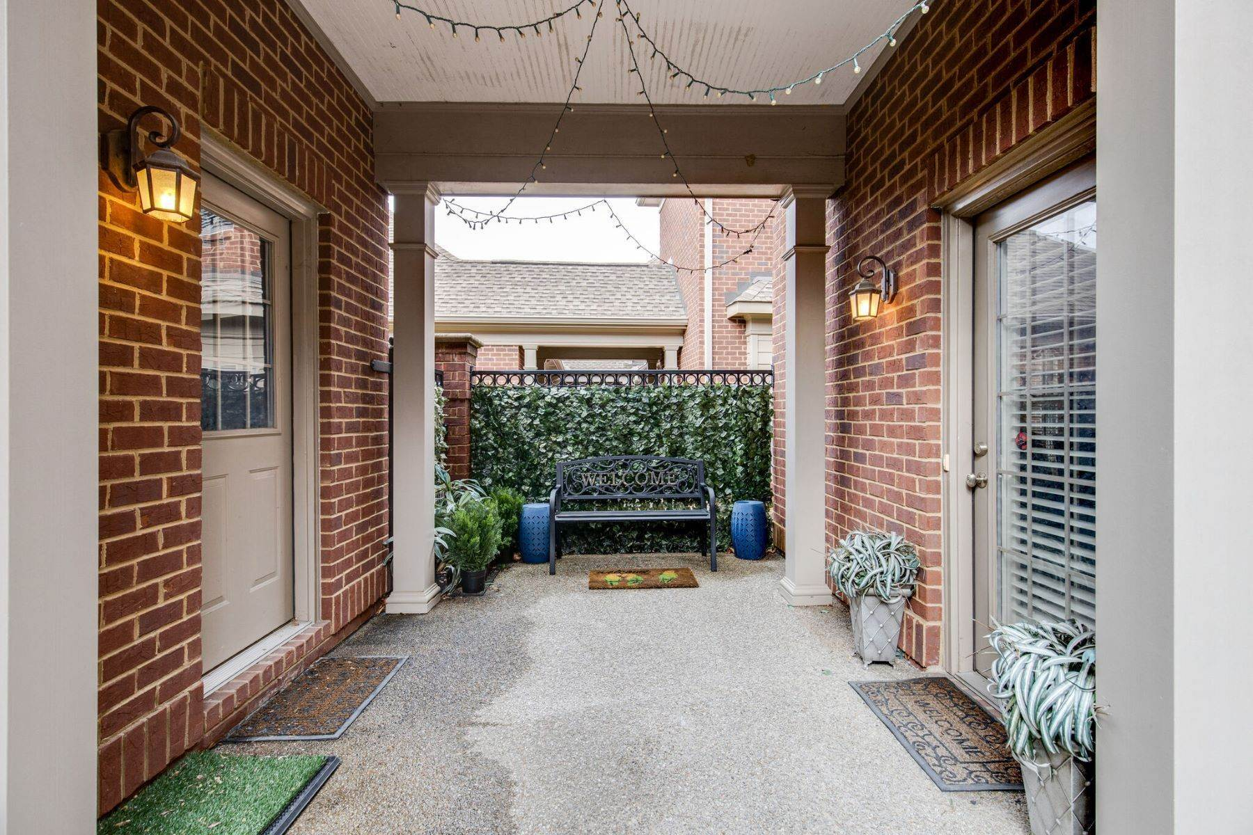38. Single Family Homes for Sale at 4209 Stammer Place, Nashville, TN 37215 4209 Stammer Place Nashville, Tennessee 37215 United States
