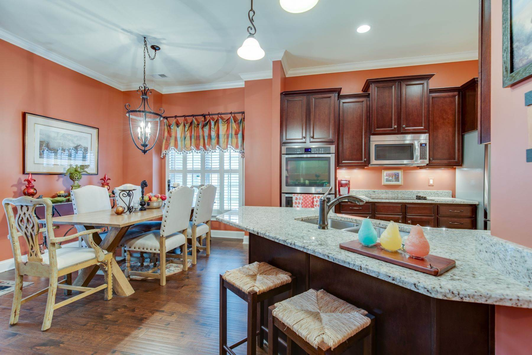 19. Single Family Homes for Sale at 4209 Stammer Place, Nashville, TN 37215 4209 Stammer Place Nashville, Tennessee 37215 United States