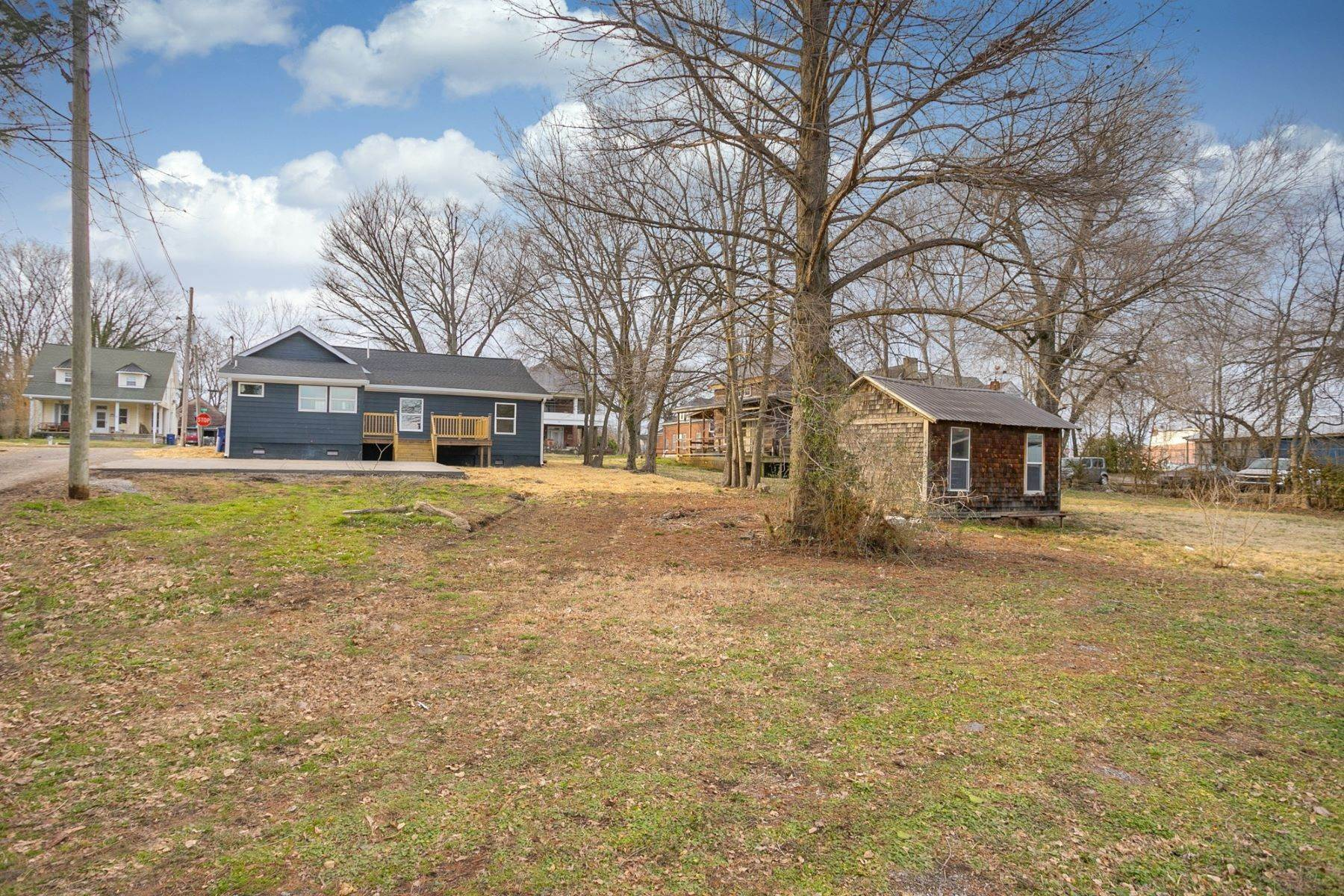 20. Single Family Homes for Sale at 207 South Main St, Mount Pleasant, Tn, 38474 207 South Main St Mount Pleasant, Tennessee 38474 United States