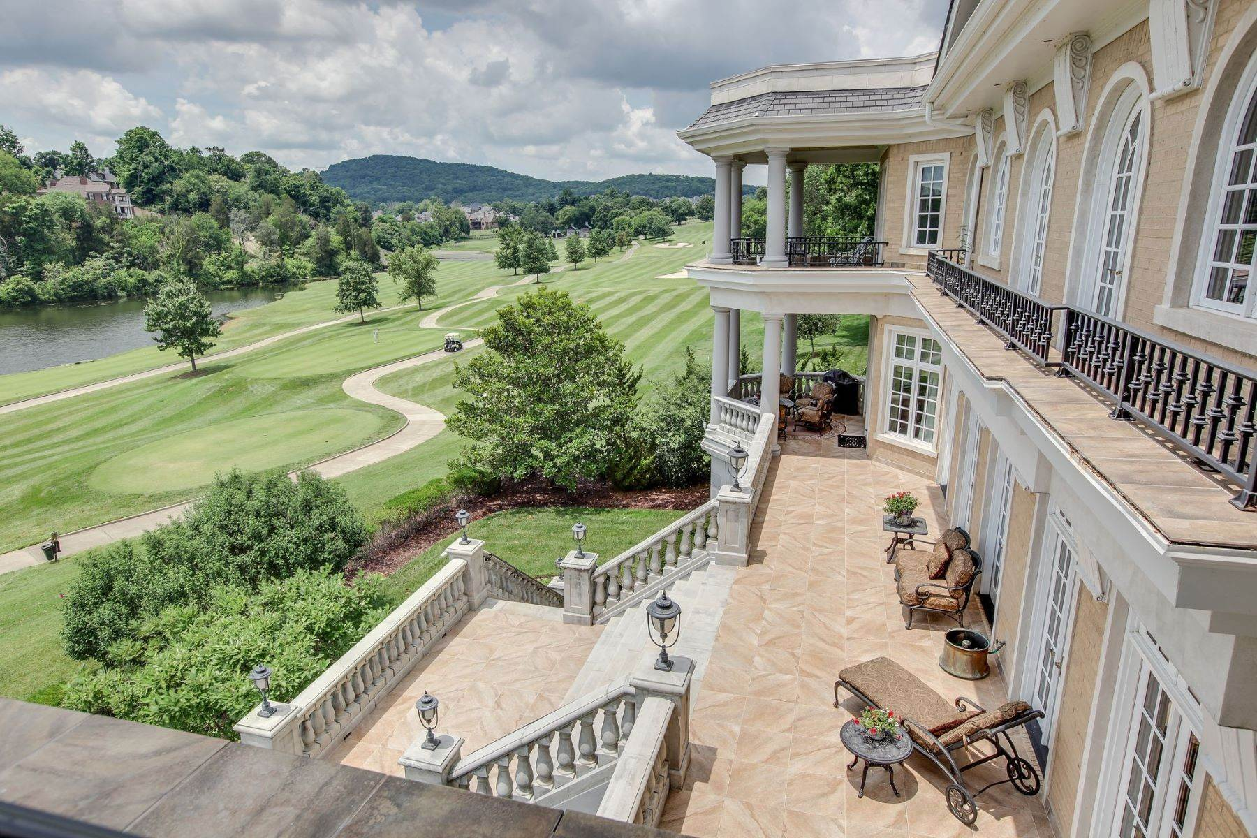 41. Single Family Homes for Sale at 2 Carmel Ln, Brentwood, Tn, 37027 2 Carmel Ln Brentwood, Tennessee 37027 United States